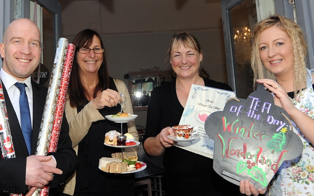 FREE Christmas Present Wrapping in Town Centre Cafes!